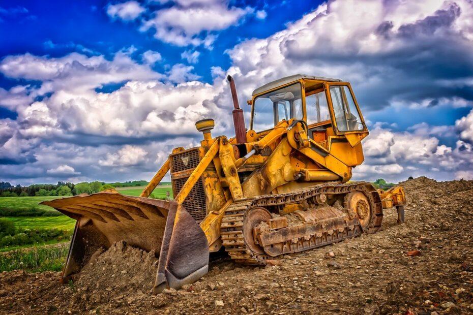 Prace ciężkimi maszynami, rozbiórki, roboty